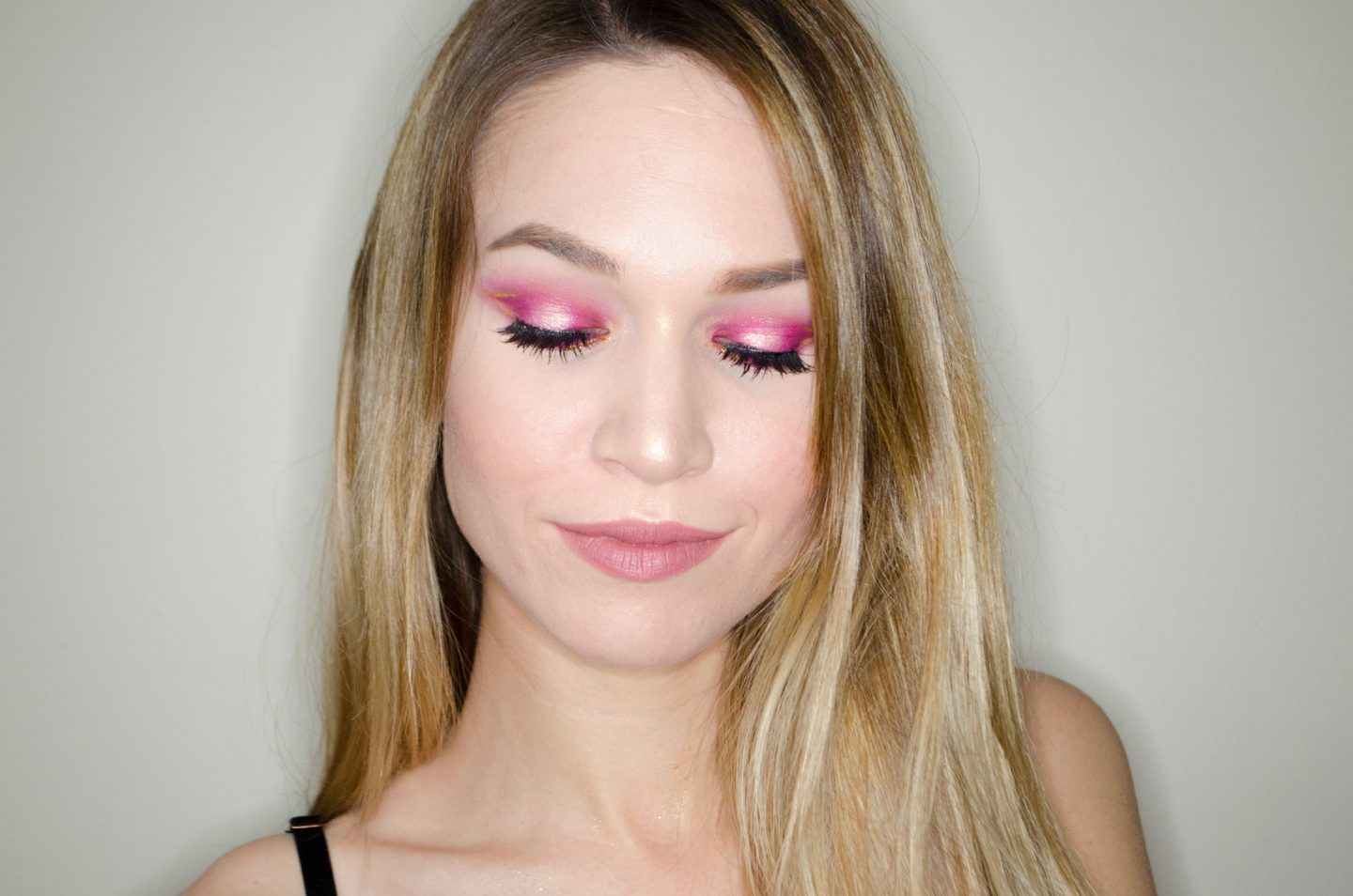 BOLD PINK & GOLD LOOK